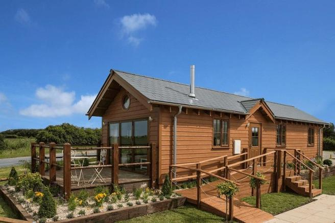 2 Bedroom Log Cabin For Sale In Willow Pastures Country Park Hull