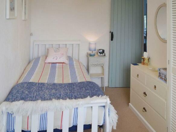 bedroom 2 cottage