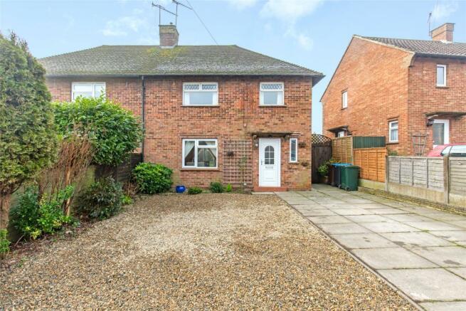 3 bedroom semi-detached house for sale in Ockleys Mead d33b1ef32