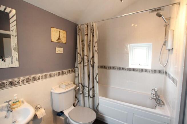 Bathroom New.JPG