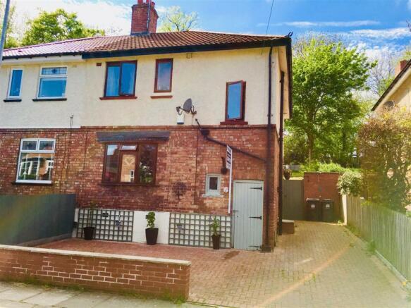 Front 10 Boyes Hill Grove.jpg