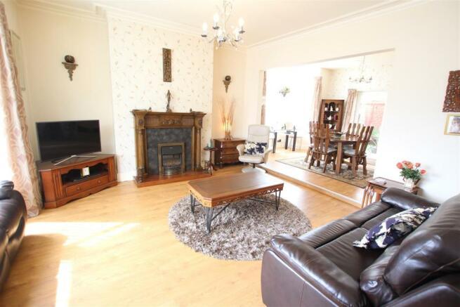 IMG_1066 Living Room.JPG