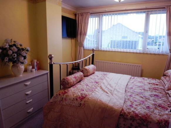 Bed 1B.JPG