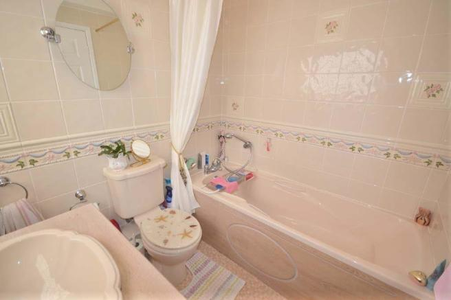 LUXURIOUS EN-SUITE B