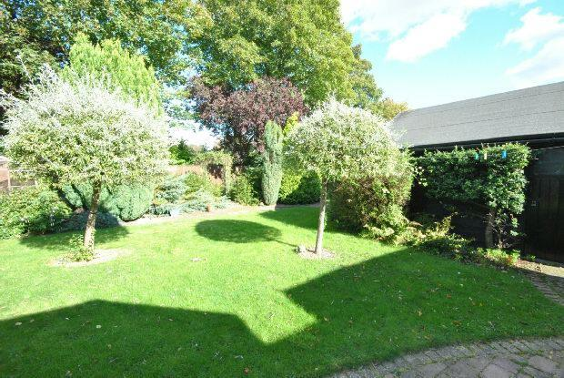 Gardens 3rd Photo