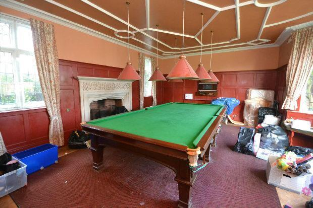 Family Room/Snooker