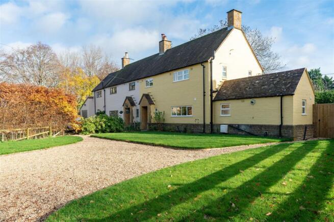 2 Little Barrow Cottage - Front