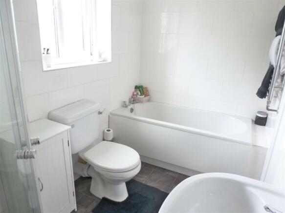 FAMILY BATH/ SHOWER ROOM