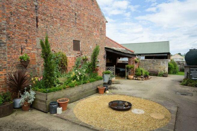 Fold Yard garden