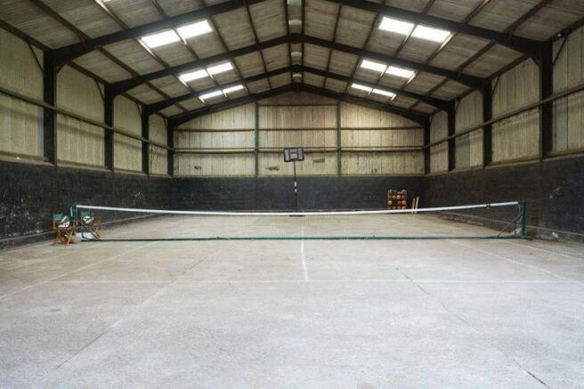 Indoor Tennis/...