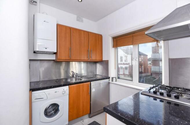 206b Melrose Avenue - Kitchen.jpg