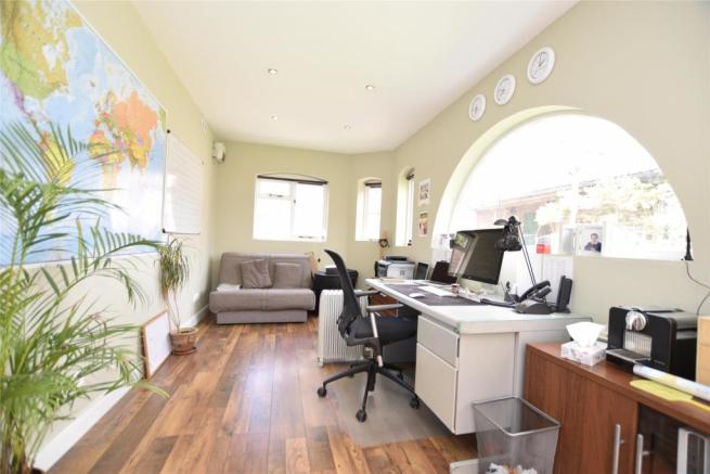 Outbuilding/ office