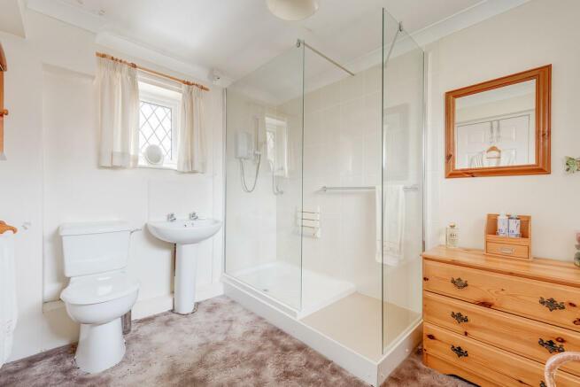 2 bedroom link detached house for sale in Benty Lane, Crosspool