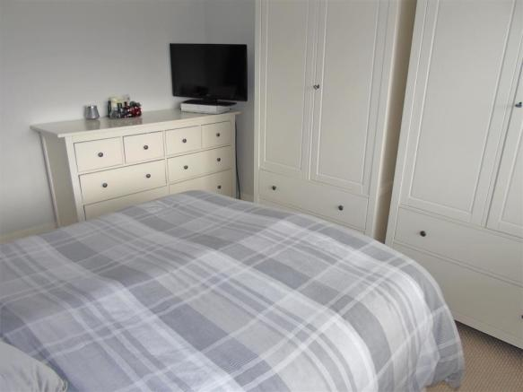 Bed1d.JPG