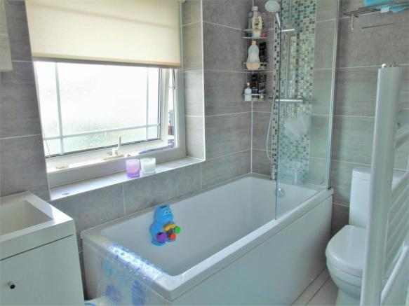 Newly Fitted Family Bathroom