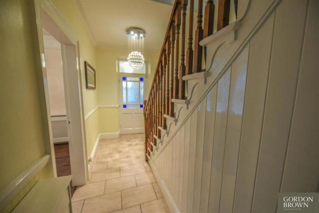 ENTRANCE RECEPTION HALLWAY