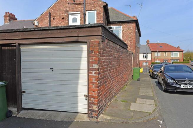 garagekells.jpg