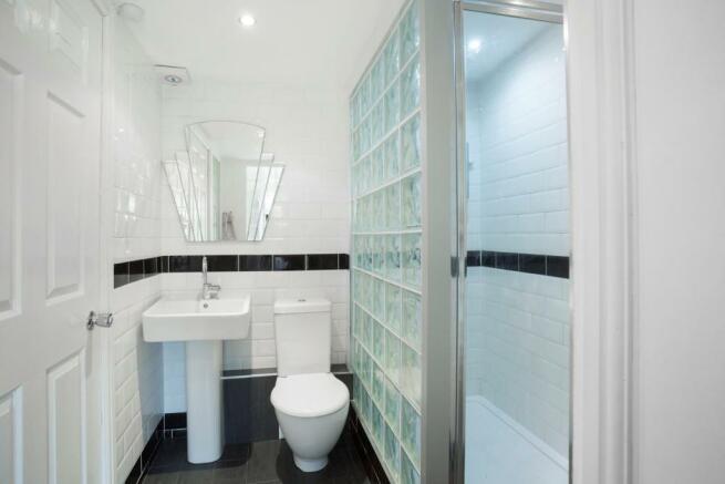 family shower room.jpg