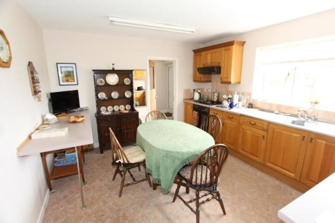 Kitchen / Breakfast Room
