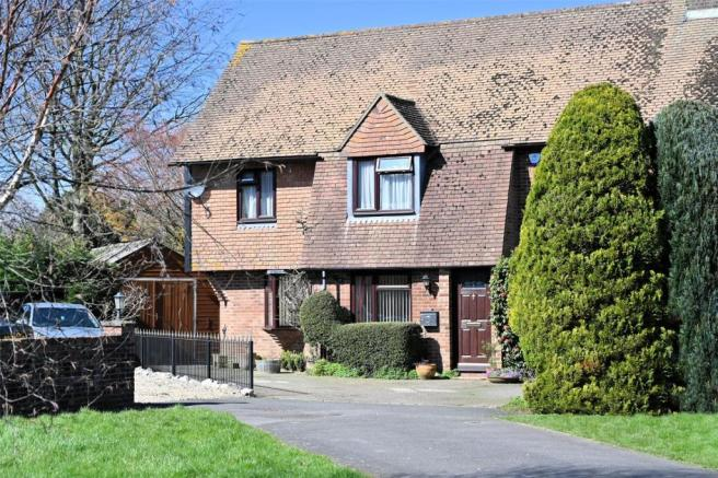 4 bedroom semi-detached house for sale in Chapmans Close ...