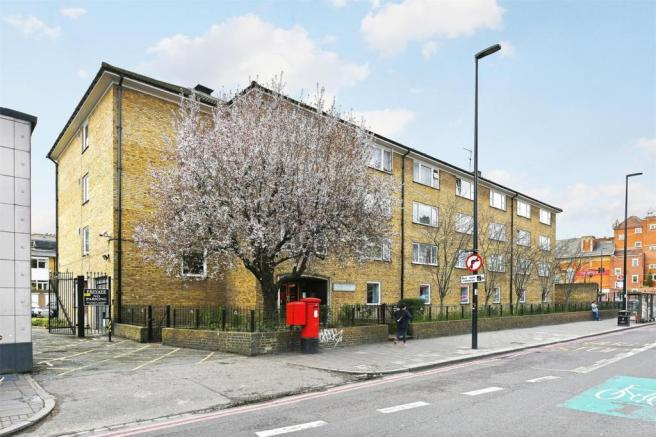Studio Apartment For Sale In Rothesay Court Harleyford Street