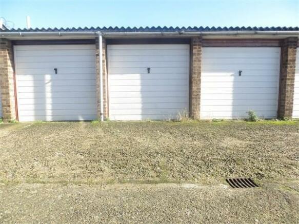 Garage with Parking