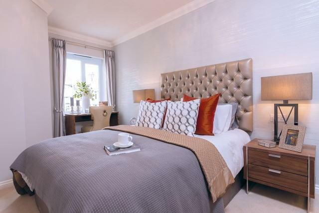 Bedroom l00069...