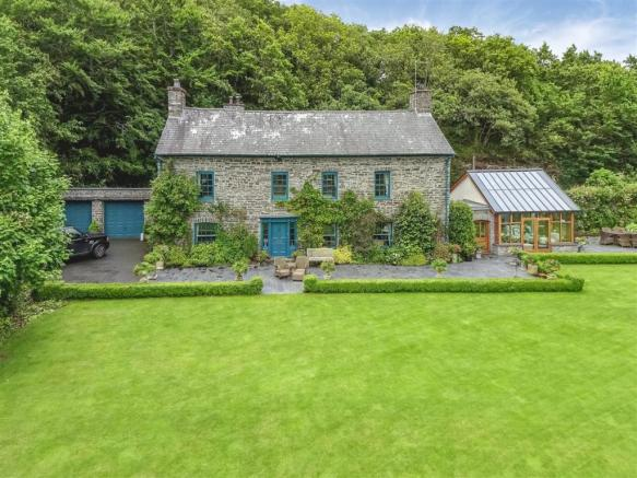 Crugiau House, Powys-2.jpg