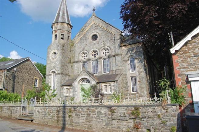 Methodist chapel fore.jpg