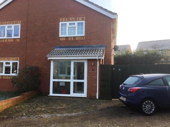 1 Bedroom End Of Terrace House For Sale In Rookwood Close