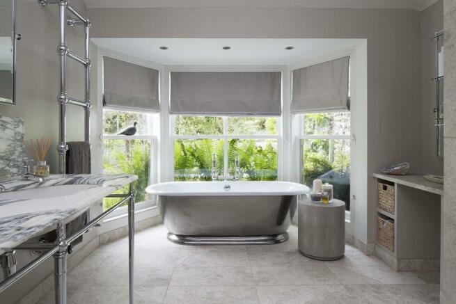 Bath & Wet Room