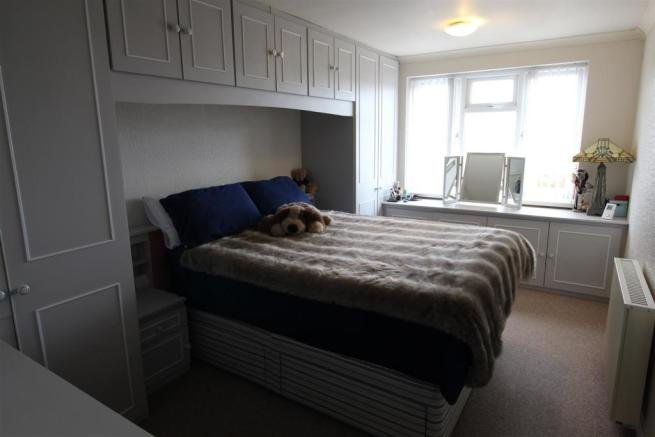 EXAMPLE COMPARISON PHOTO - BEDROOM