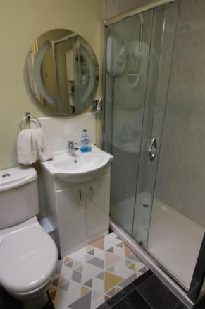 EXAMPLE COMPARISON PHOTO - SHOWER ROOM