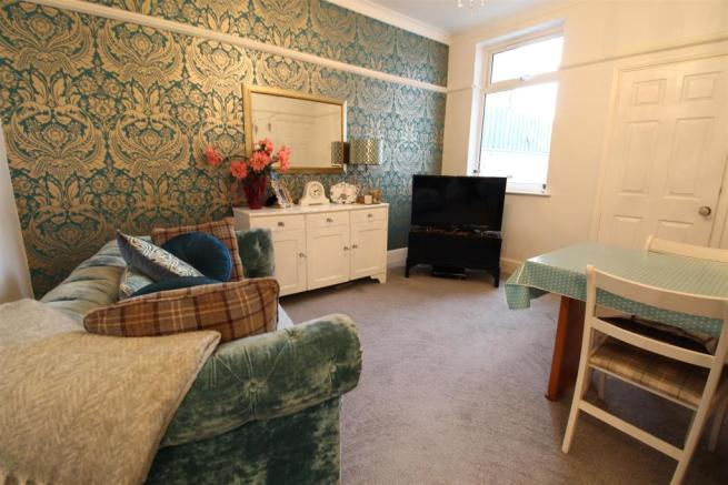 DINING/SITTING ROOM ADDITIONAL PHOTOGRAPH