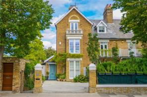 Photo of Kew Gardens Road, Kew, Surrey, TW9