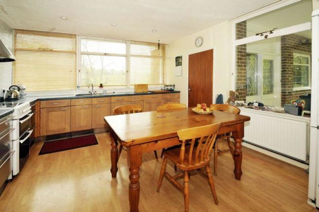 4 bedroom detached house for sale in brockton much - How much to move a 4 bedroom house ...