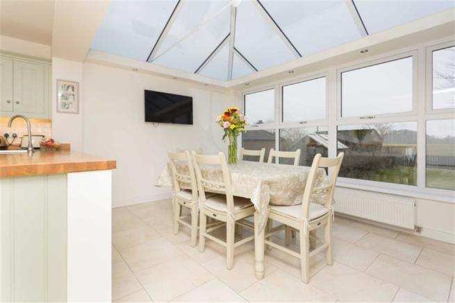 Conservatory/ Dining Room