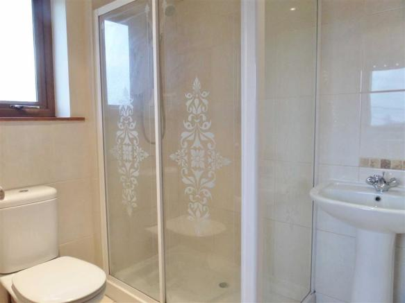 DOWNSTAIRS SHOWER /WC