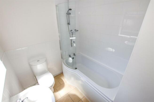 MODERN GROUND FLOOR BATHROOM