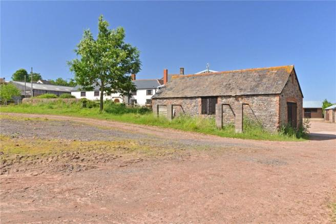 Outbuildings & Yard