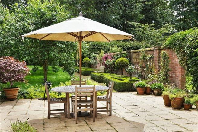 10 Bedroom Detached House For Sale In Stanningfield Bury