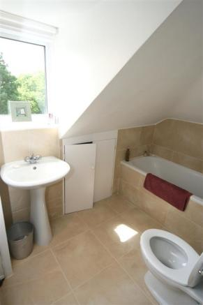 Copy of 3,35 Dryburgh road - Bathroom (Large).jpg