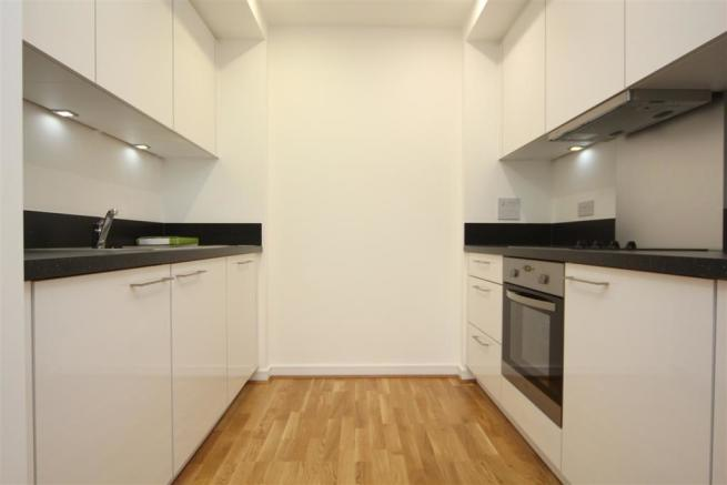 Kitchen (Large).JPG