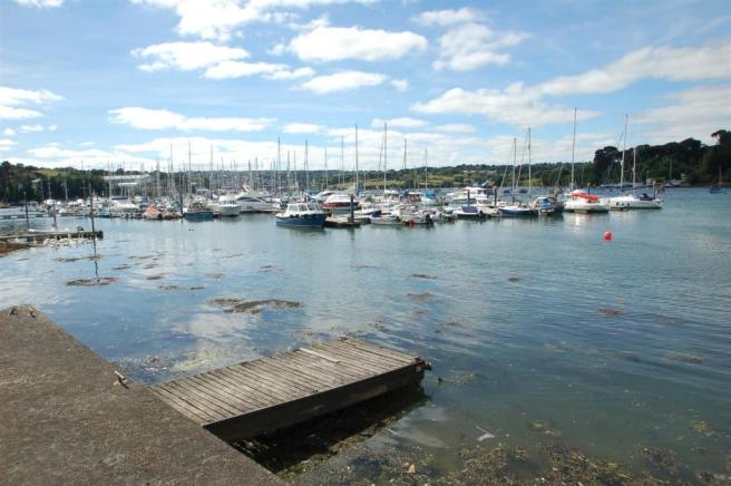 PRIVATE QUAYSIDE