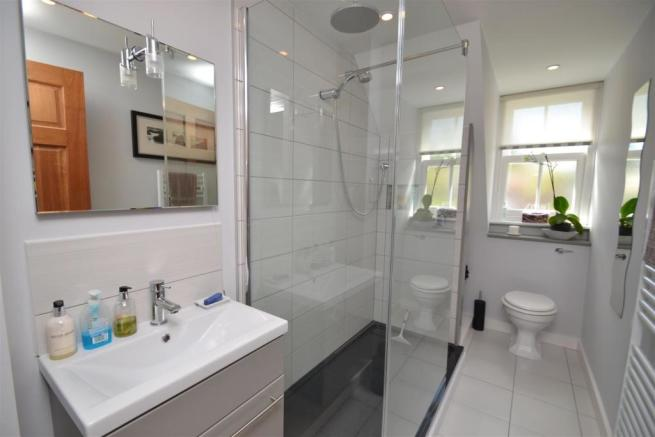 SHOWER ROOM (TWO)