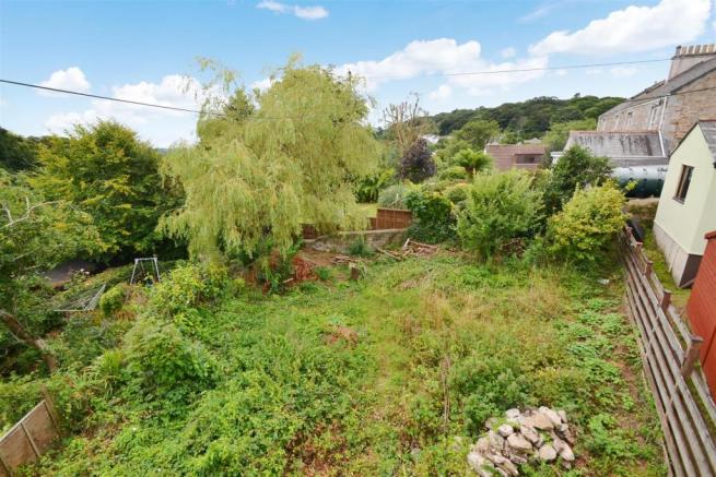 1 Victoria Cottages rear garden.jpg