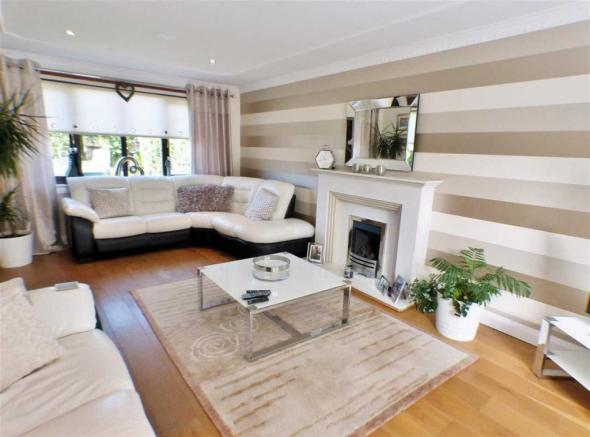 5 Bedroom Detached House For Sale In Mckay Place Stewartfield East
