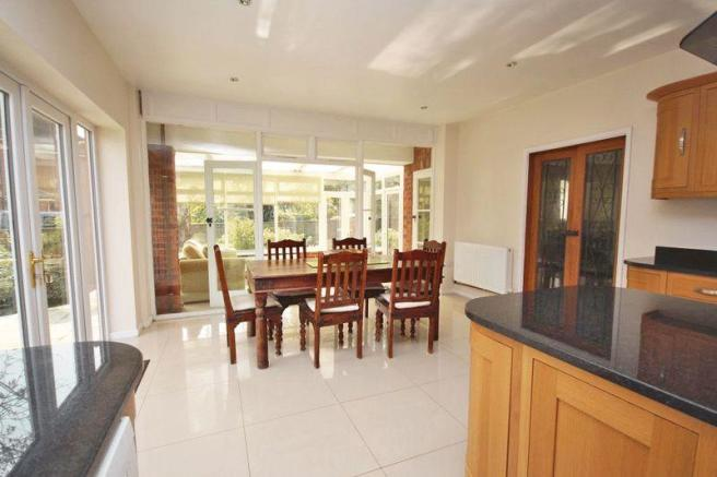 Dining area to...