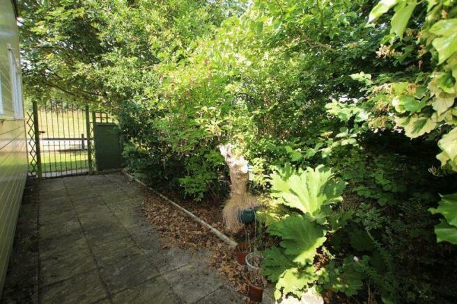 Side garden ph...