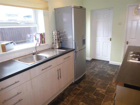Fitted Kitchen Pic 2.JPG